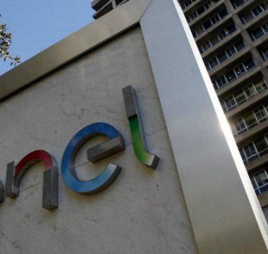 Enel anuncia compensación por cortes de luz en Región Metropolitana