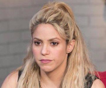 Shakira visita al mejor cirujano del mundo para tratar sus cuerdas vocales