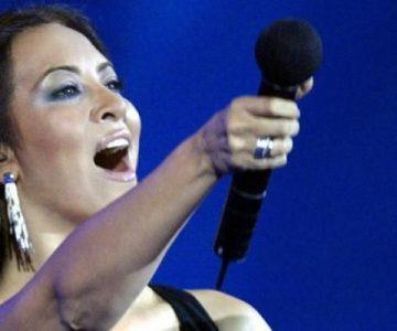 """Myriam Hernández presenta """"Amor"""" en concierto"""