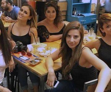 "Ex participantes de ""Rojo"" se lucen con elegantes vestidos"