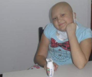 Joven que le ganó al cáncer conmovió al unirse al desafío #10YearsChallenge