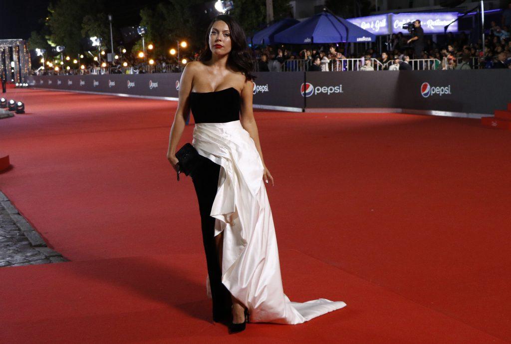 0bcf20ce8c Mariana di Girolamo también llegó a la gala