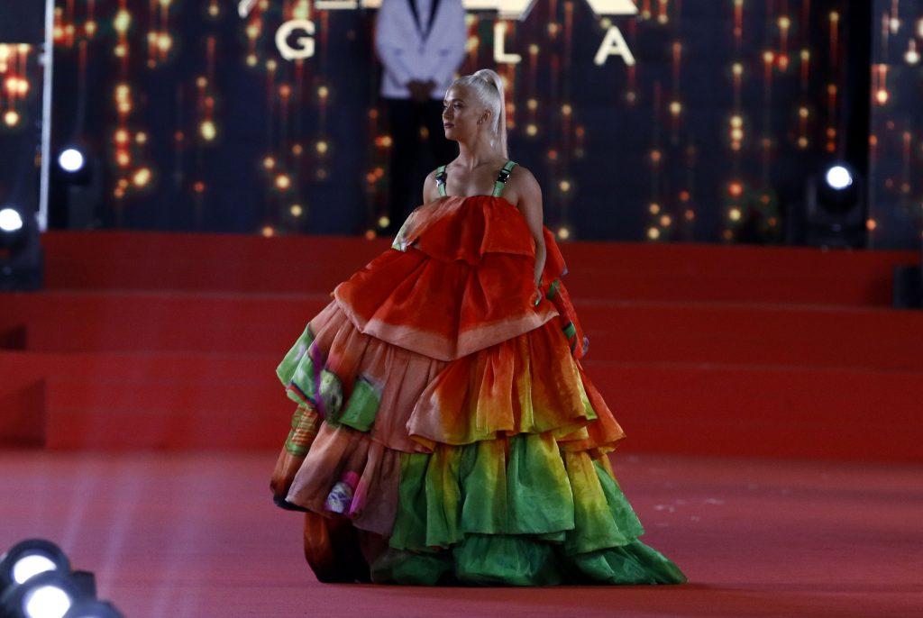 b5f6f798c0 Una de las debutantes de esta edición de la gala fue María José López