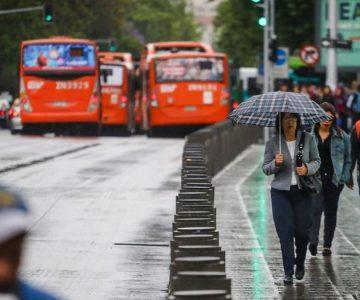 ¡Abríguese! Se viene el frío y la lluvia este fin de semana en Santiago