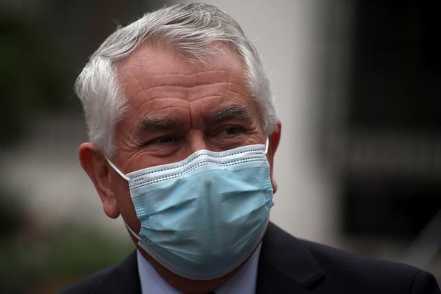 En plena pandemia, ¡Piñera salió a comprar vino — Lo filmaron